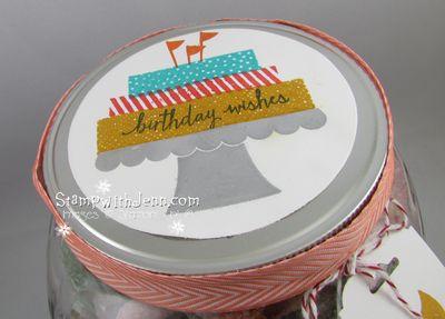 Build a birthday top of jar